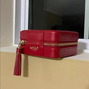 (New) Wolf travel jewelry case